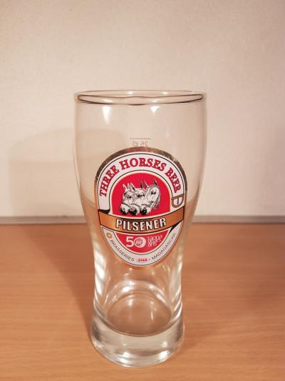 Three Horses Beer - 04852
